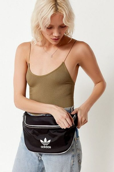 https://www.urbanoutfitters.com/shop/adidas-originals-belt-bag?category=SEARCHRESULTS&color=001