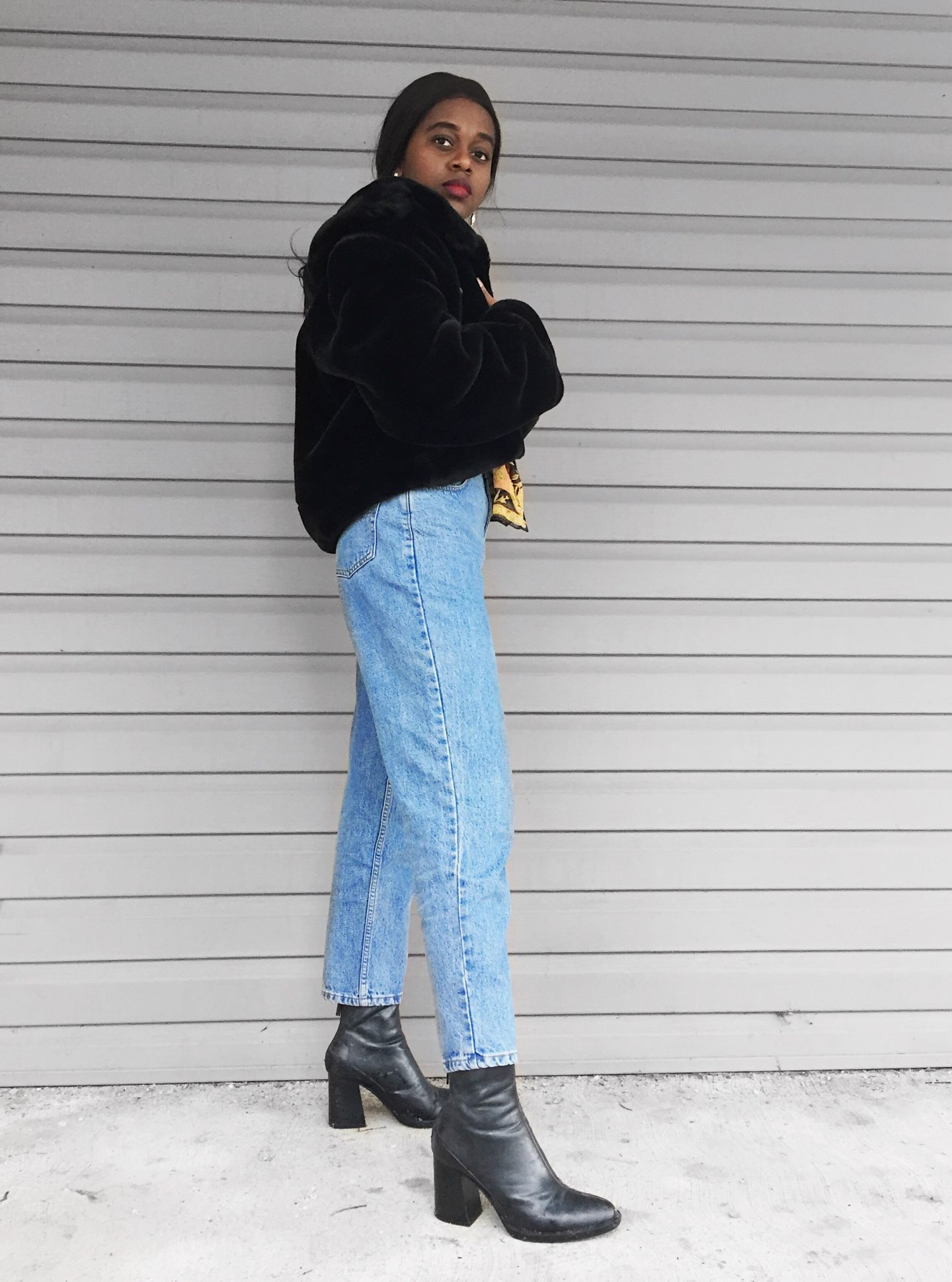 how to style denim jeans, boot cut jeans, straight jeans, mom jeans, boyfriend jeans